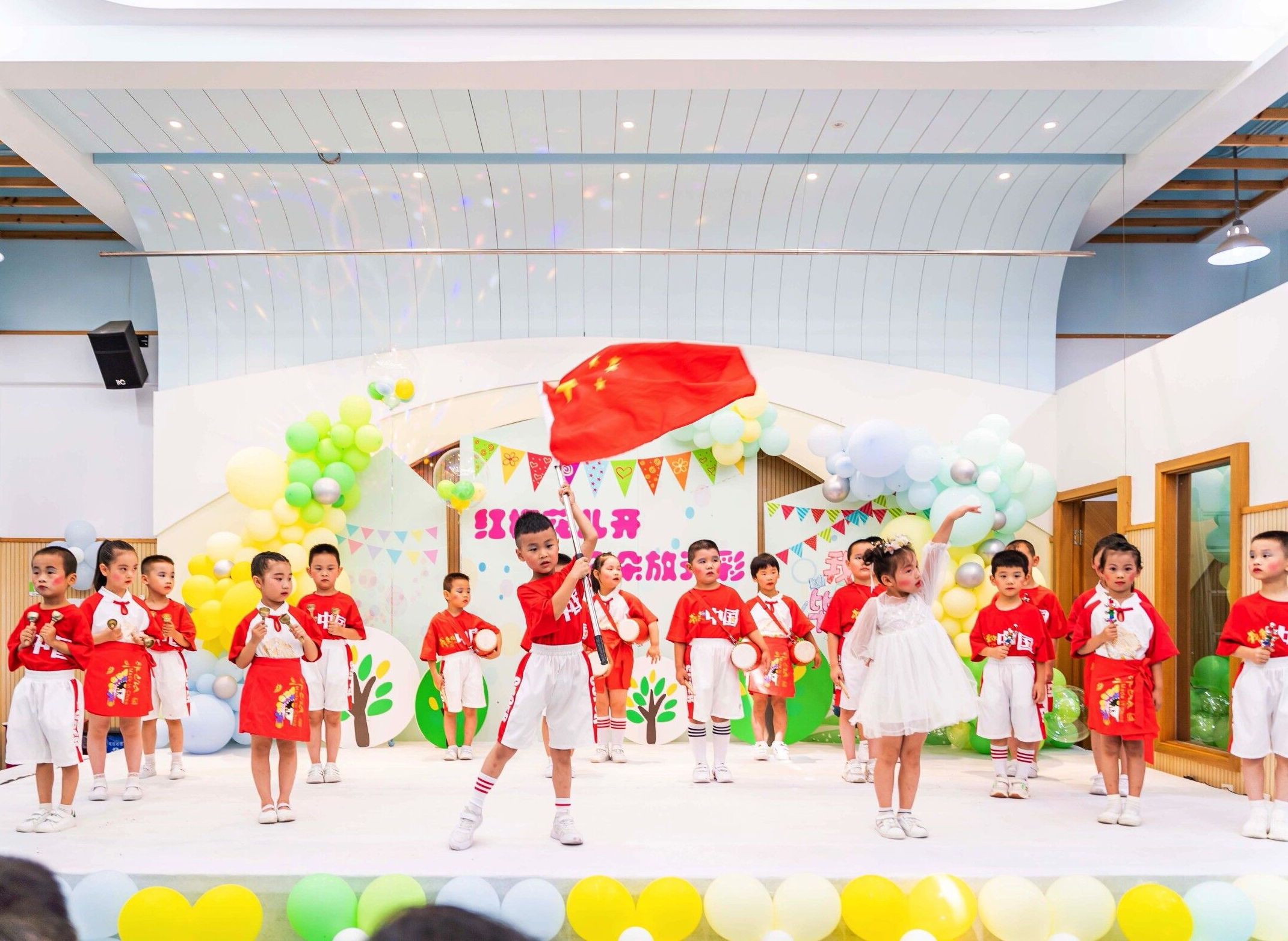 南京市红梅幼儿园举行2021届大班毕业典礼