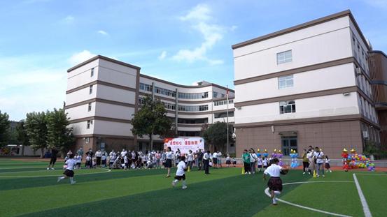 南京市鑫园小学举行新生入学礼